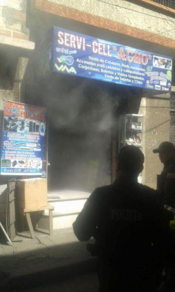 Incendio alarma en zona del Mercado Campesino