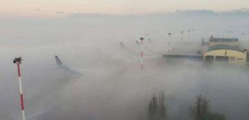 Retrasan vuelos en aeropuerto de Cochabamba por densa niebla