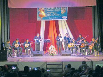 La Estudiantina  La Plata celebra 42 años de vida
