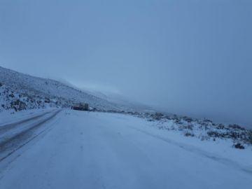 Defensa sobrevuela zonas afectadas por nevada y envía ayuda