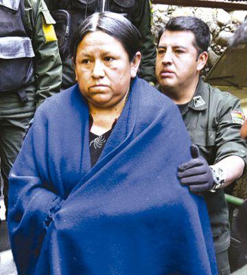 La justicia pide arrestar  a exministra Achacollo