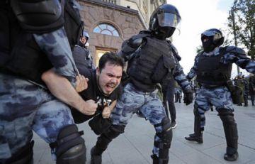 Más de mil detenidos en protesta opositora en Moscú