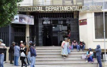 Oruro: Dos jefes del Sereci trabajaron en estado de ebriedad el día del empadronamiento