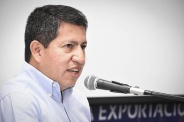 Ministro denuncia que opositores plantean eliminar subvención de los combustibles
