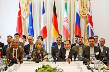 Irán insiste con exportar petróleo y critica a EEUU