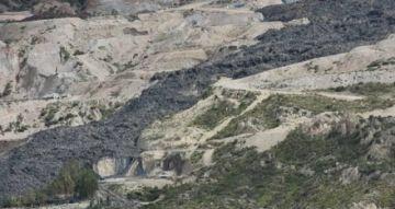 Alcalde de Achocalla denuncia nuevo deslizamiento en el relleno de Alpacoma