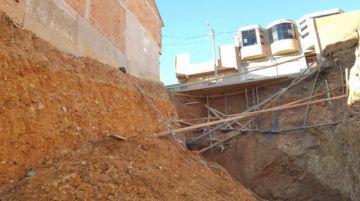 Excavación de un lote provoca deslizamiento en Villa Armonía