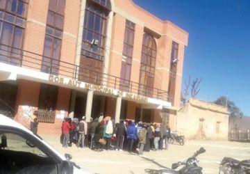 Pueblo Alto ocupa Alcaldía de Incahuasi