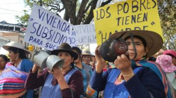Cedla: Pobreza multidimensional castiga más a los bolivianos entre 25 y 59 años