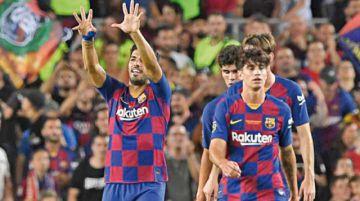 Suárez le da la Copa Joan Gamper al Barça