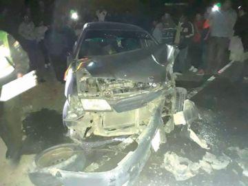 Colisión de volqueta y coche deja tres heridos