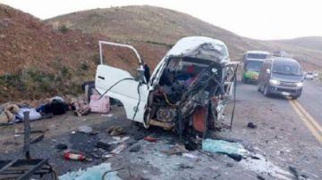 Bus vuelca en los Yungas y fallecen 15 pasajeros