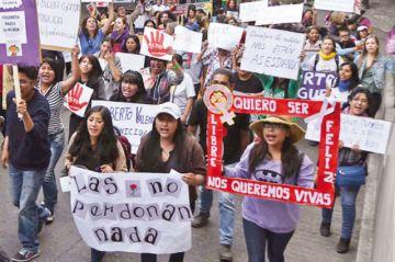 Evo pide pacto contra la violencia a la mujer