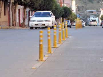Investigan la instalación de rebatibles en las calles
