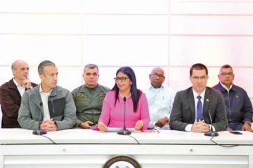 """EEUU aprueba sanciones y Caracas ve """"agresión"""""""