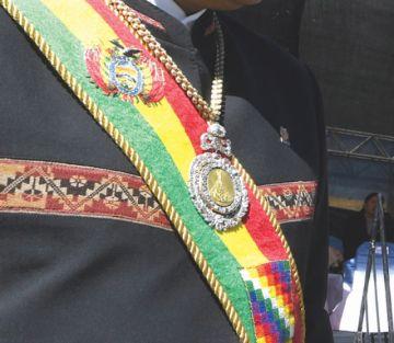 Medalla presidencial retorna a El Alto un año después de robo