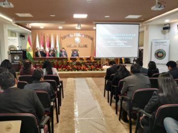 Seminario judicial debate las acciones en problemas ambientales