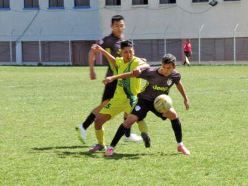 Atlético Sucre se escapa a la punta de la Primera A