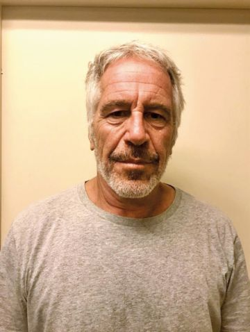 Investigan muerte  del multimillonario Jeffrey Epstein