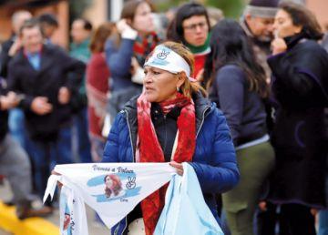 Argentina va a las urnas con electores divididos