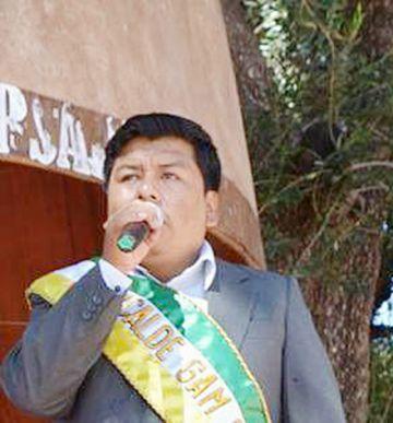 Villa Abecia: Rechazan renuncia de alcalde