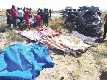 Accidente carretero deja  como saldo 11 fallecidos