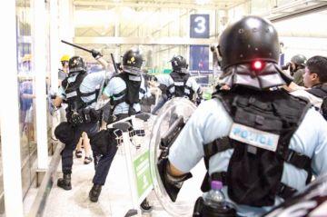 Hong Kong: Persiste foco de tensión en el aeropuerto