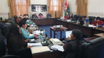 Aprueban en comisión ley a favor de mujeres