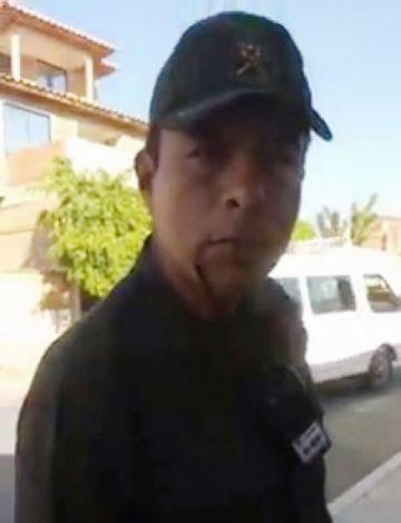 Policía que roció con gas a dos niños tiene proceso por violación