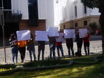 Colectivo de mujeres pide la renuncia del consejero Michel
