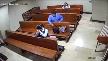 Ladrón roba en una parroquia y se santigua al salir