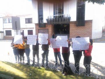 Un colectivo de mujeres pide dimisión de Michel
