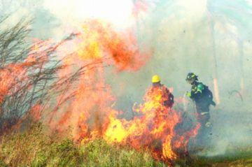 El incendio amenaza las reservas
