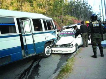 Una persona muere tras colisión de dos vehículos
