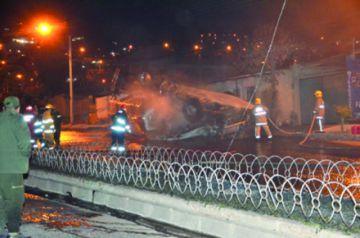 La explosión de cisterna provoca dos fallecidos