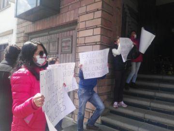 Colectivo de mujeres protesta contra consejero de la Magistratura
