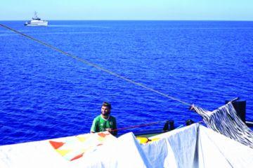 """Barco """"Open Arms"""" insiste para desembarcar en Italia"""