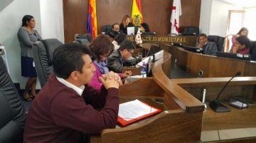 Concejo se sume en crisis por el caso Maldonado y pugnas