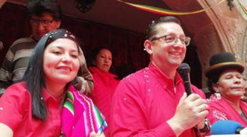 """Ortiz acusa a Mesa de """"chuparle las medias"""" a Evo Morales"""