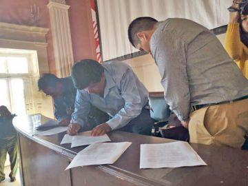 Choferes no van al paro tras firmar un acuerdo