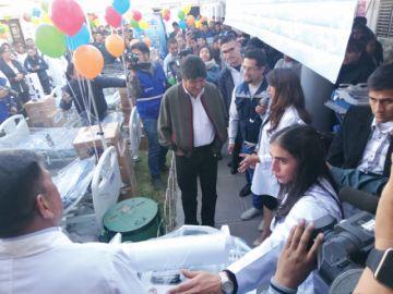 Entregan equipos y medicamentos a hospitales