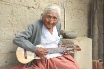 Preocupa salud de la mujer más longeva del país