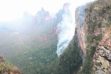 Incendios en Amazonía ponen en crisis a Brasil