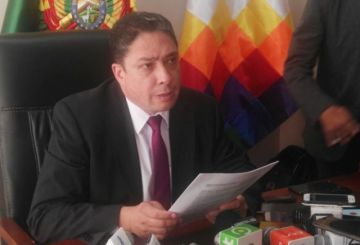 Ministro sugiere a consejero Michel solicitar licencia y que se aprehenda a su hermano