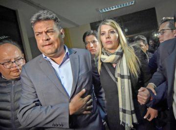 Dictan medidas sustitutivas para alcalde paceño Revilla