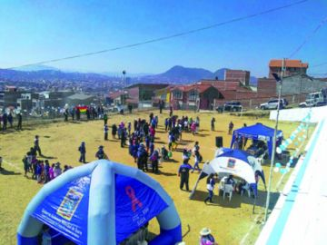 Barrio Casegural recibe adoquinado y campaña