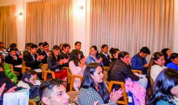 Reportaje estudiantil mira a los niños y gana premio