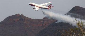 """""""Supertanker"""" continuará mitigando el fuego en el valle de Tucavaca"""