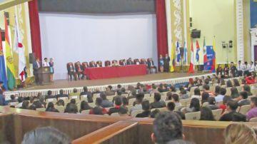 Sucre reúne a expositores sobre economía