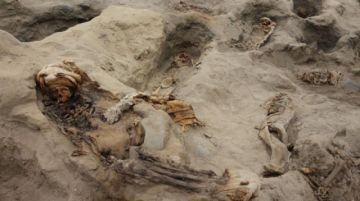 Encuentran restos de masivo sacrificio de niños en Perú